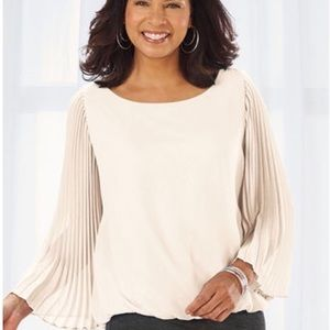 NWT! Plus Size Ivory Pleated Top